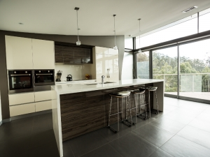 Kitchen Cabinets & Benchtops